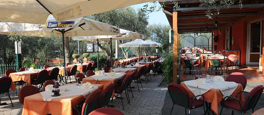 pizzeria-ristorante-malcesine-terrazza-08.jpg