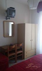 hotel-economico-malcesine-camera-tripla-3.jpg