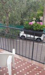 hotel-economico-malcesine-camera-tripla-6-terrazzo.jpg